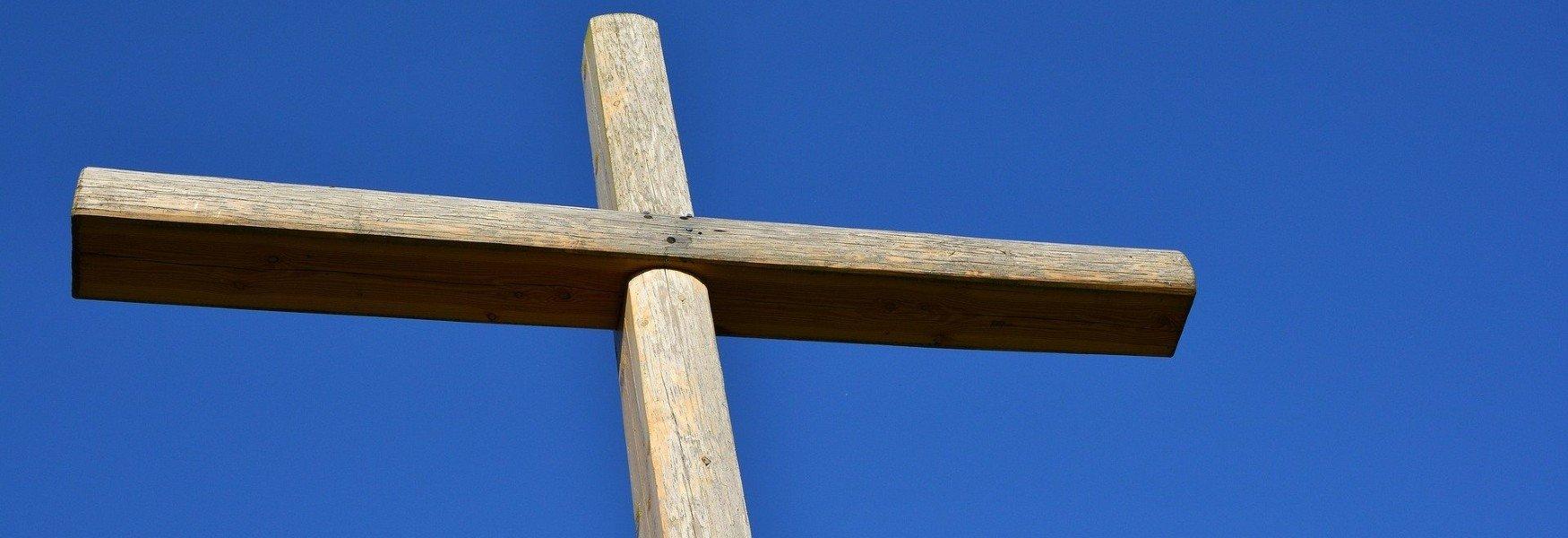 Kruis In Blauwe Lucht